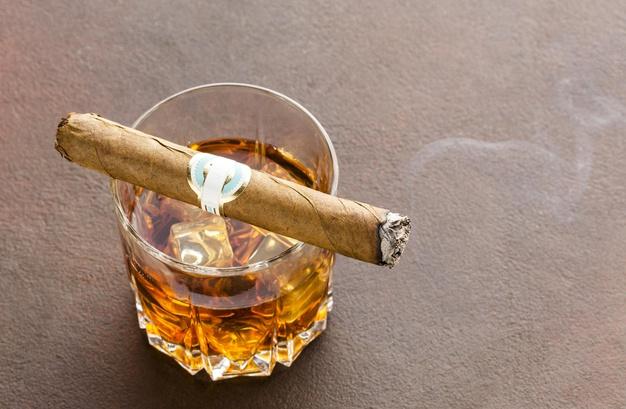 Необходима ли юрлицу для корпоративов лицензия на розничную торговлю алкоголем